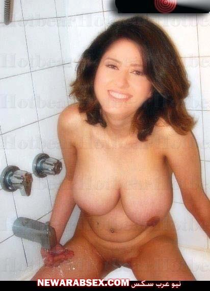 حنان مطاوع عارية تماما في الحمام