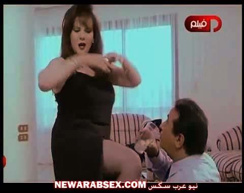 دلال عبد العزيز ترقص لنور الشريف