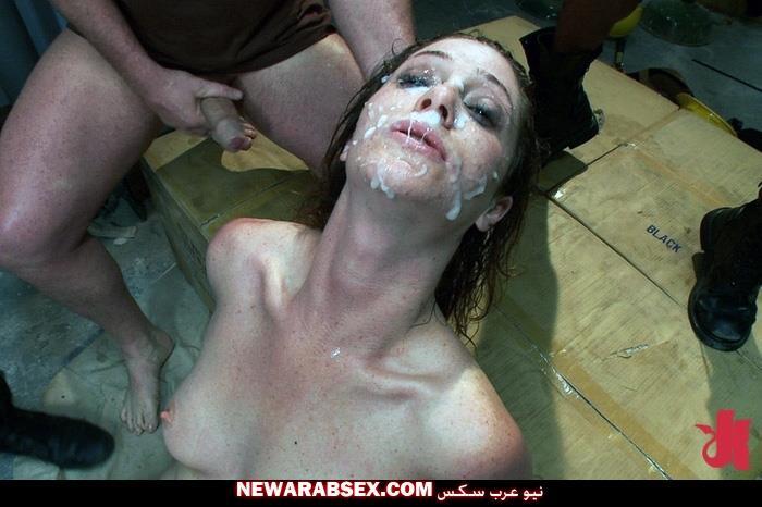 سكس تنزيل على وجه المرأة