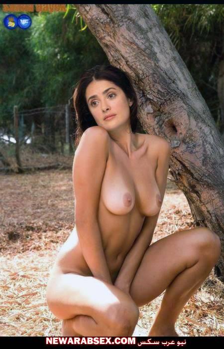 امرأة عارية في الغابة