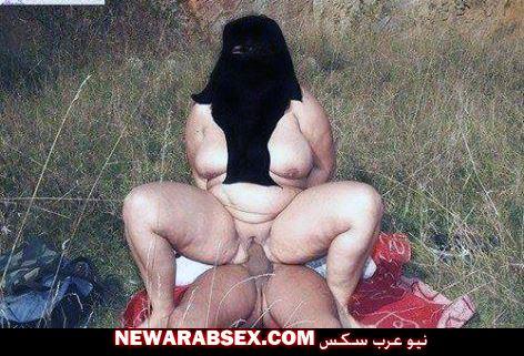 شرموطة تجلس على الزب بالنقاب