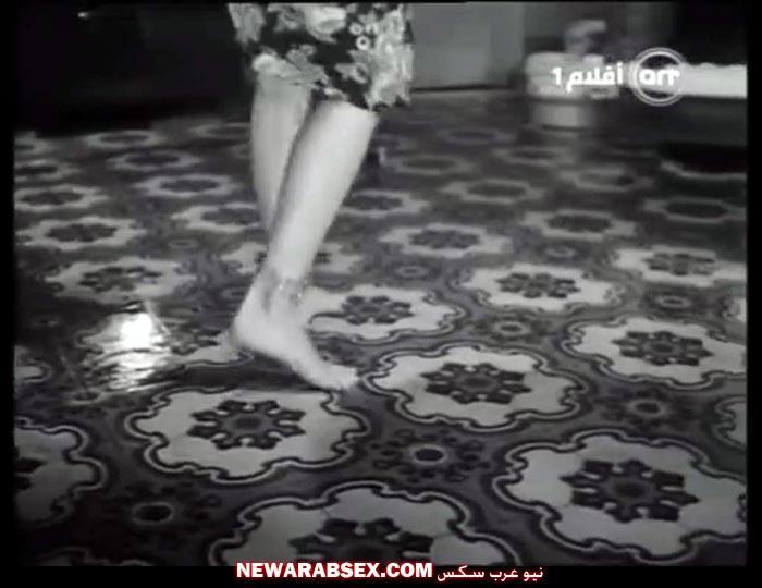 أقدام نادية لطفي