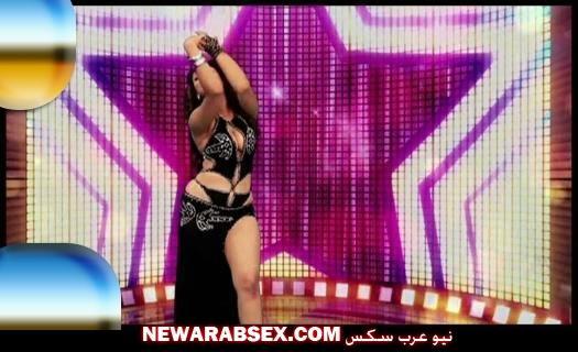 شاكيرا وهي ترقص ببدلة مثيرة