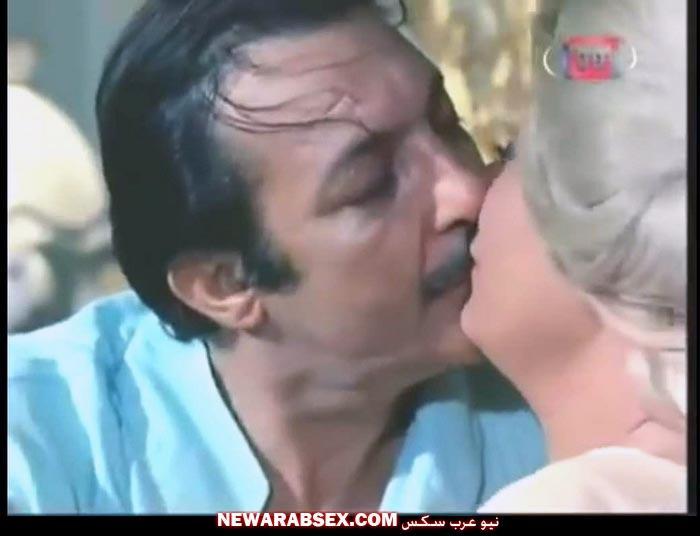 قبلة مثيرة جدا