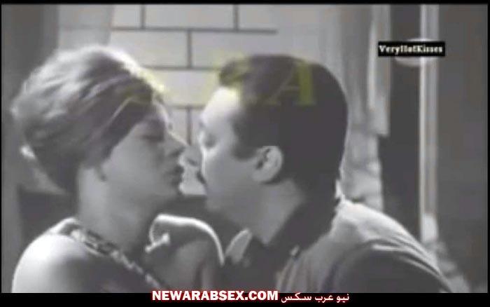 قبلة مثيرة
