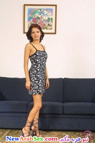 فستان مثير مع الكعب العالي